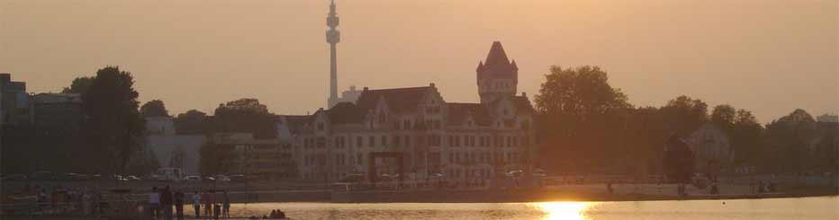 Ein Blick über den Phoenix-See in Dortmund