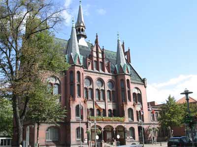 Das schicke Rathaus in Neumünster